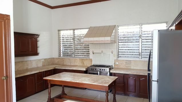 5 Bedroom House with Swimming Pool for Rent in Maria Luisa Cebu City - 8