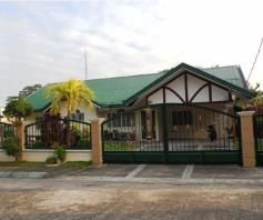 Corner Lot w/Huge Yard House & Lot For RENT In Friendship Angeles City - 1