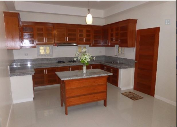 1 Storey House with Nice Landscaped yard for rent - 45K - 3