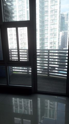 Brand New FULLY FURNISHED Studio unit at Greenbelt Madison by Megaworld - 5