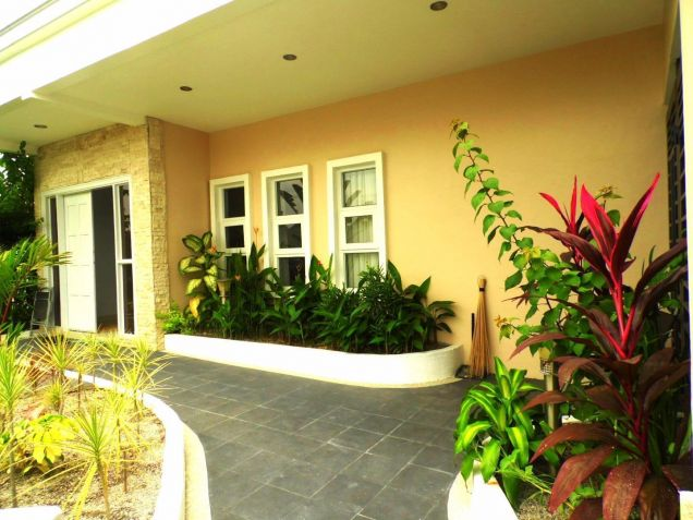 4BR with House and Lot for rent in Hensonville - 70K - 3