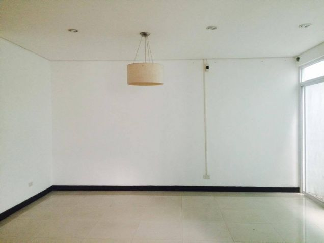 3 Bedroom Town House for Rent in a Exclusive Subdivision in Angeles City - 2