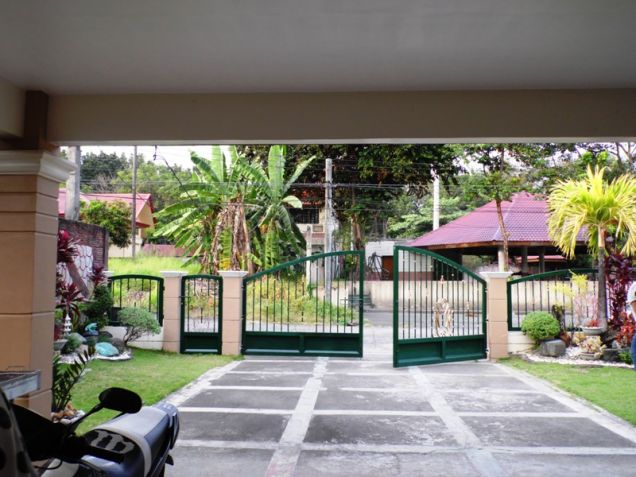 W/Huge Yard  Corner Lot House & Lot For Rent In Friendship Angeles City - 6