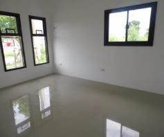 Bungalow House with 3 Bedroom for Rent in Friendship – P25K - 1