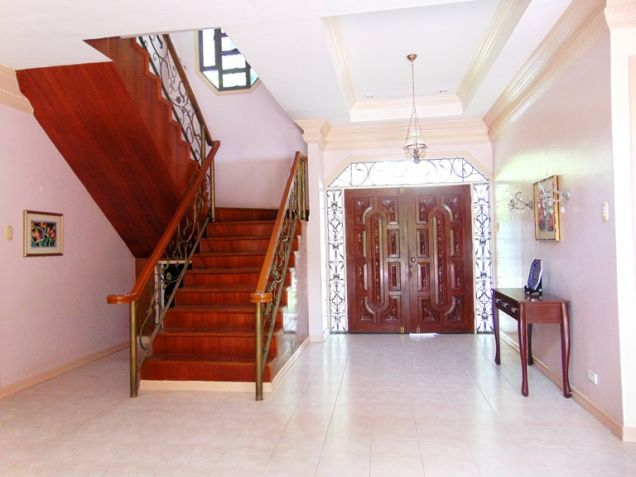 House for Rent with Swimming Pool in Banilad, Cebu City - 4