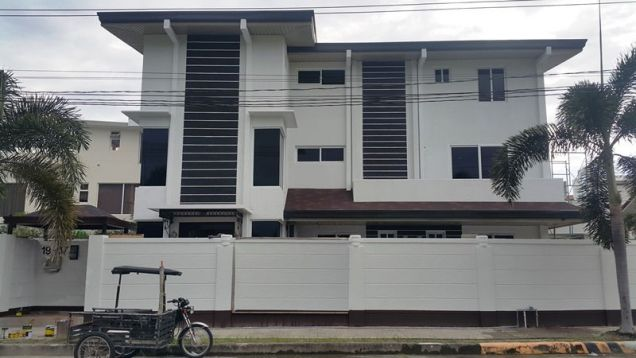 10 Bedroom House with swimming pool for rent - 160K - 4