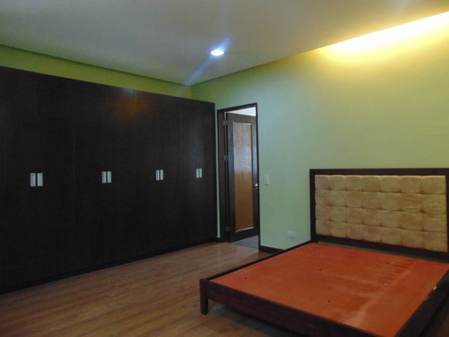 3 Bedrooms House for Rent in Banilad, Cebu City Semi-Furnished - 6