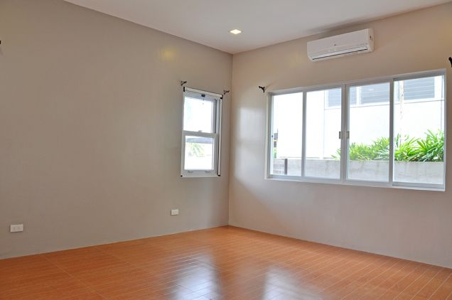 Banilad 4 Bedrooms Bungalow House in Exclusive Subdivision unfurnished, P100K - 4