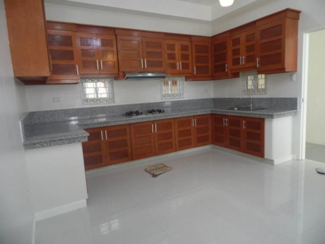 Big yard with 4BR for rent in Angeles City - 55K - 7