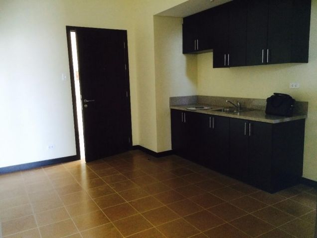 2 Bedrooms Rent To Own Condo in Makati Low Downpayment at San Lorenzo Place - 6