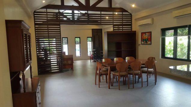 5 bedroom house in Maria Luisa - 7