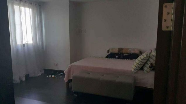 Furnished 1 bedroom in The Address in Wack Wack - 5