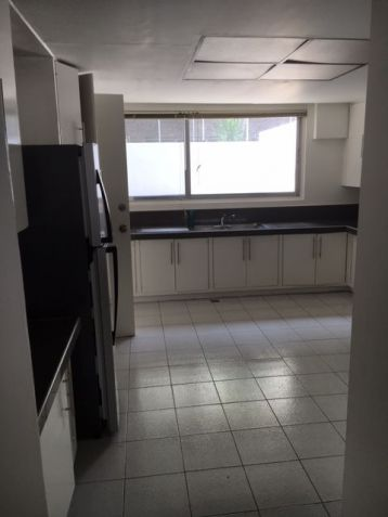 House and Lot, 3 Bedrooms for Rent in Dasmarinas, Makati - 1