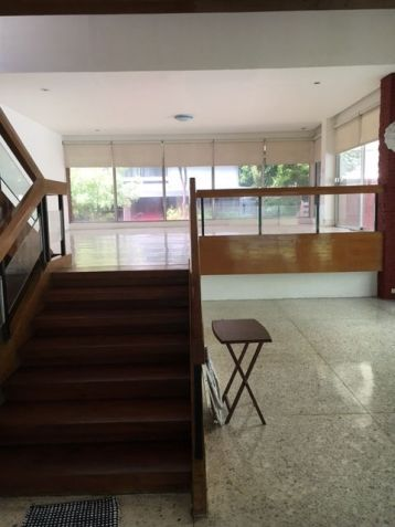 House and Lot, 3 Bedrooms for Rent in Dasmarinas, Makati - 2