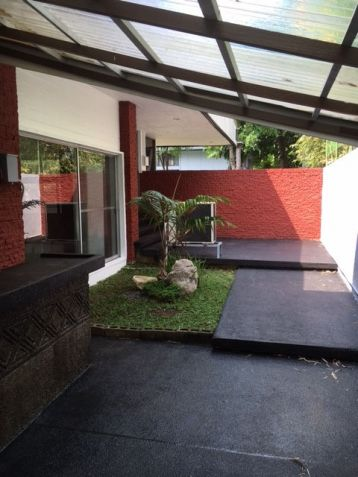 House and Lot, 3 Bedrooms for Rent in Dasmarinas, Makati - 3