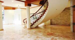 Rush Sale House and Lot for Sale in South Hills Tisa